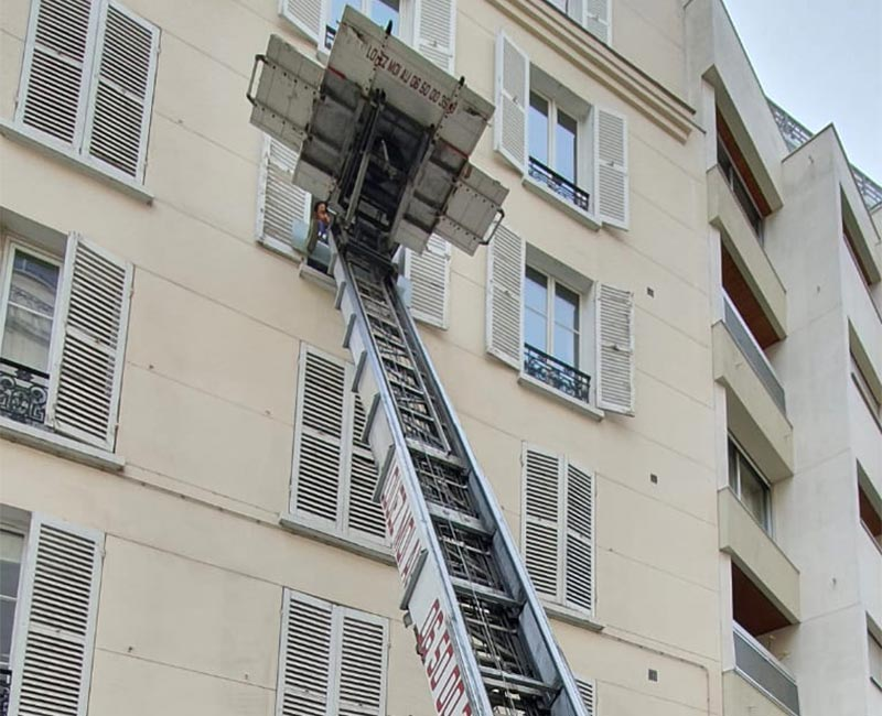 Location monte meubles Paris 16