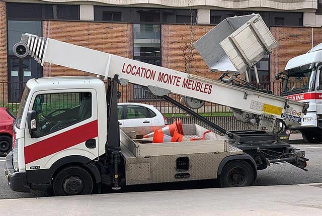 Camion monte meuble Paris 5 75005